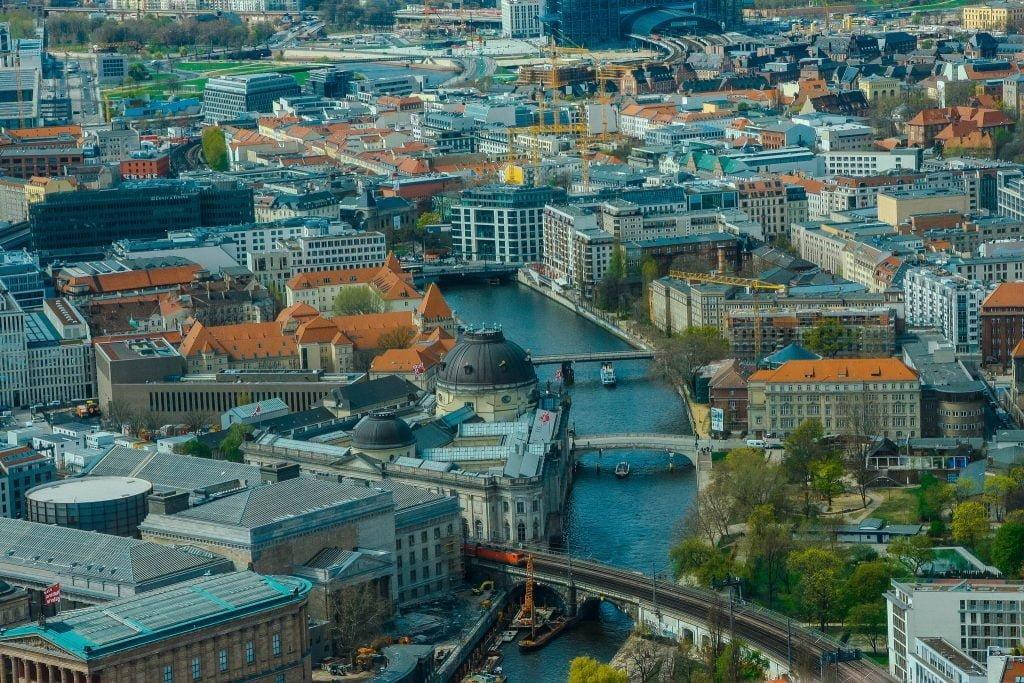 berlin Spree Nehri Tepe Görünümü